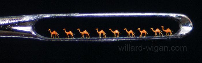 Las esculturas de Willard Wigan son tan pequeñas que entran por el agujero de una aguja,