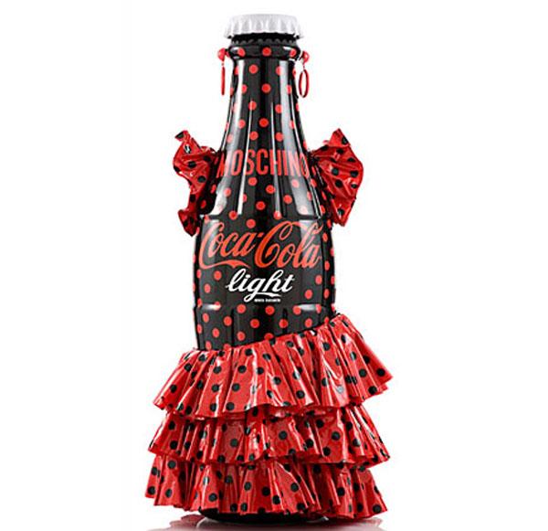 Coca-Cola con traje de faralae
