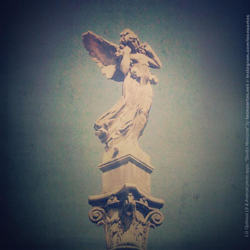 Escultura alada